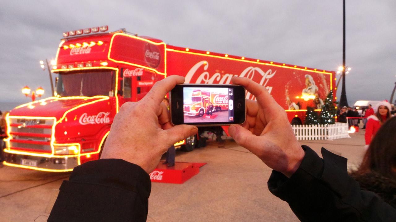 Как появилась реклама - с грузовиками История праздничного каравана